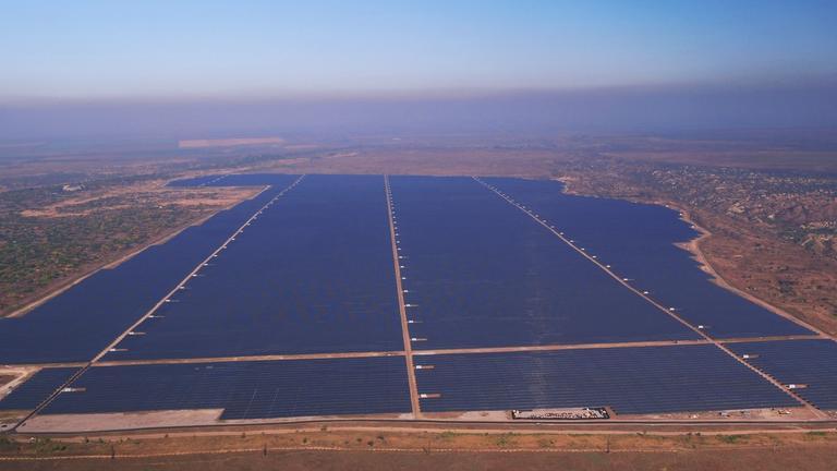 Возле Покрова открыли мощнейшую в Украине солнечную электростанцию (ВИДЕО)