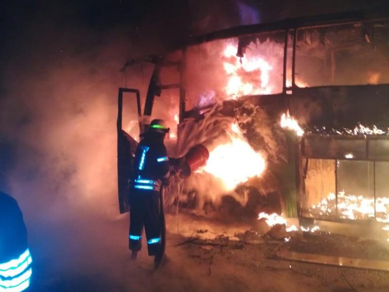 В Нікополі згорів пасажирський автобус