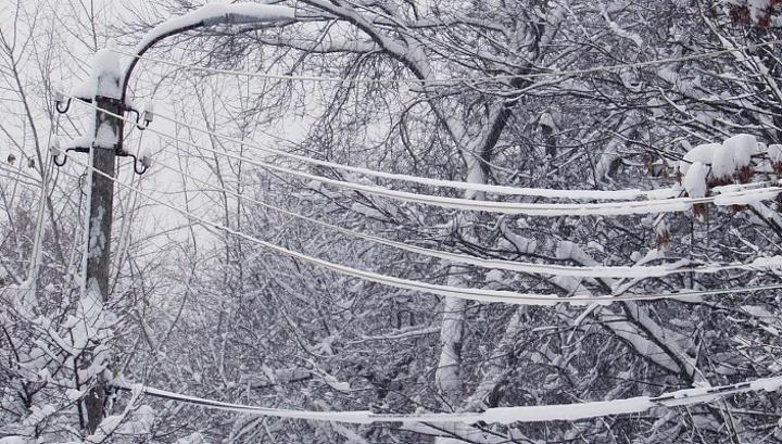 На Днепропетровскую область надвигается стихия. Энергетики напоминают о правилах безопасности вблизи линий электропередачи