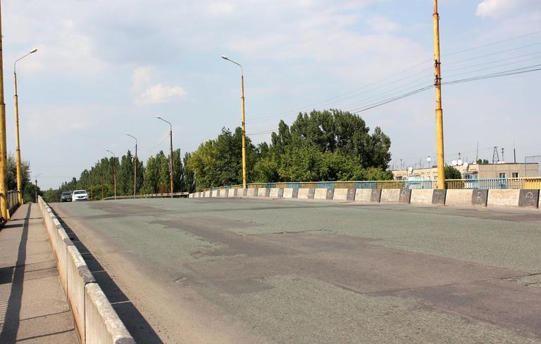 В Никополе закрывают для проезда «Горбатый мост»