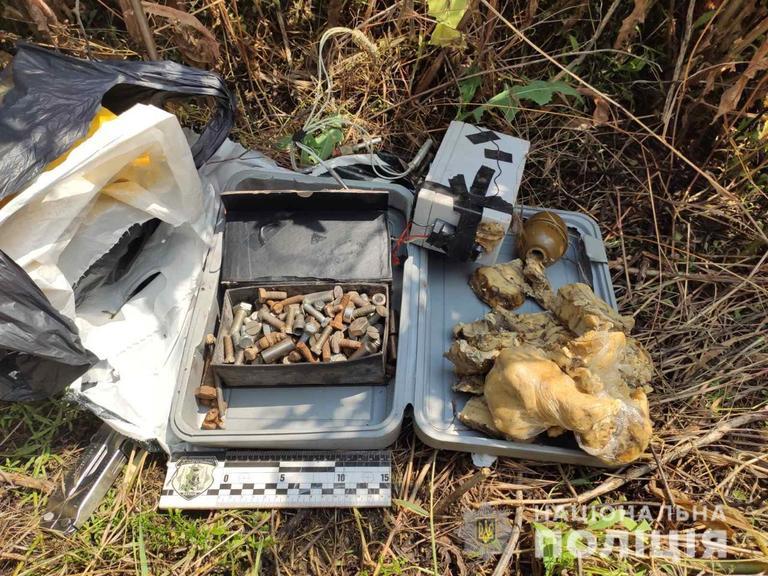 У жителя Никополя изъяли полтора килограмма пластида и наркотики на 400 000 гривен