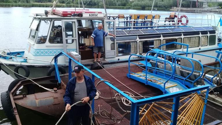 Стало известно расписание рейсов катера по маршруту Никополь - Каменка-Днепровская
