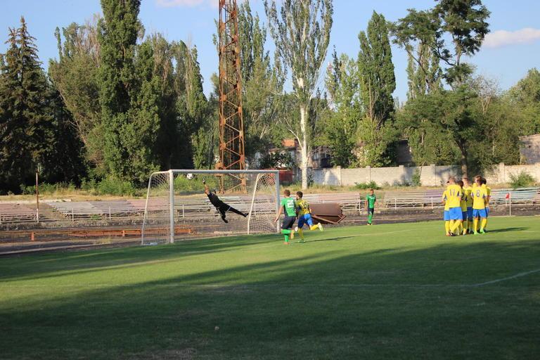 Футбол: в поединке двух «Авангардов» сильнее оказался покровский (ВИДЕО)