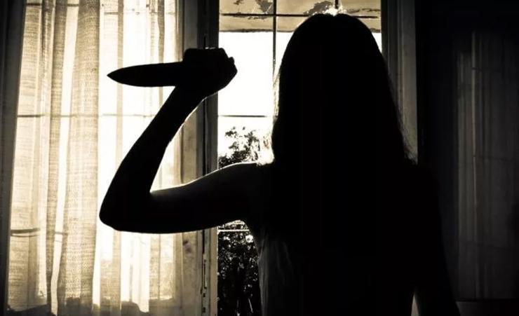 Поліцейські Апостолове затримали жінку, яка ножем вбила знайомого