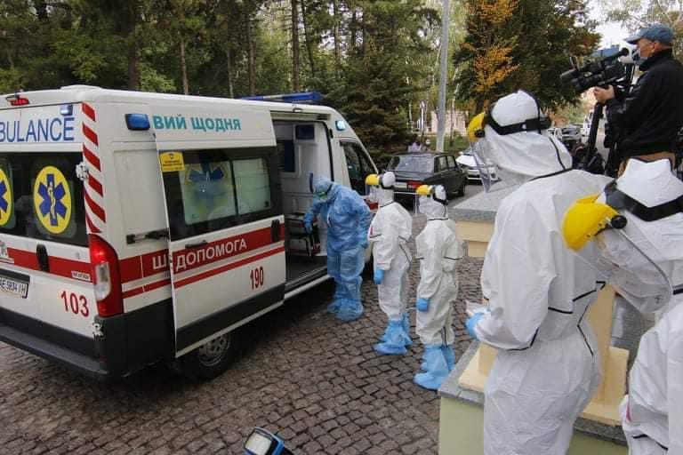 На Дніпропетровщині збільшили кількість місць для хворих на COVID