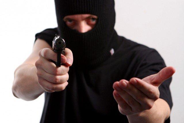 Поліція затримала злочинну групу, учасники якої під приводом перевірки лічильників грабували літніх людей