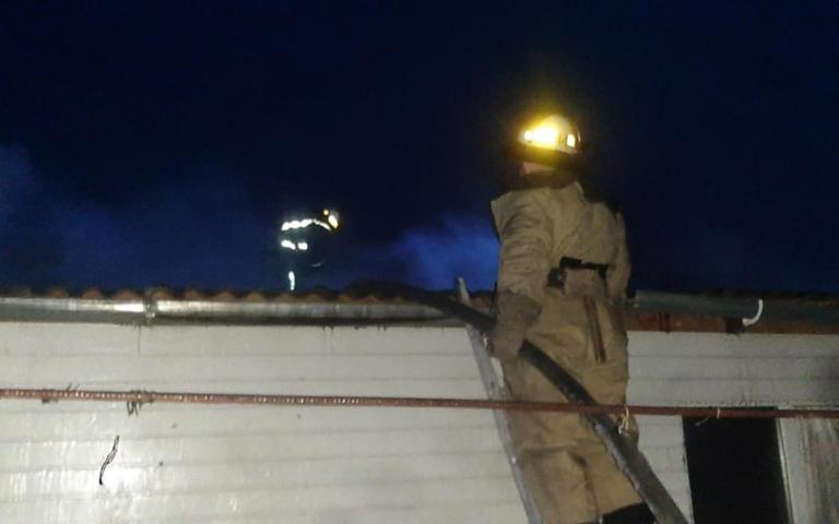 В Покрове пожарные тушили жилой дом