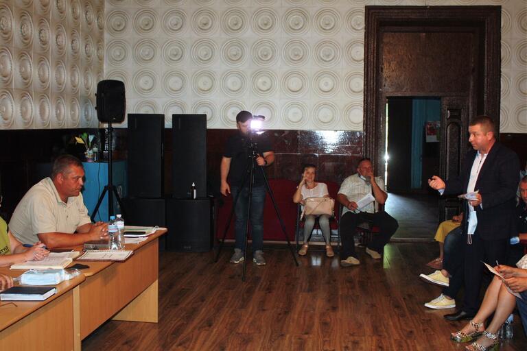 У Грушівській ОТГ загострюється конфлікт між депутатами та сільським головою (ВІДЕО)