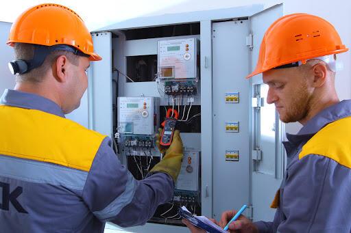 ДТЭК Днепровские электросети бесплатно установит жителям Никополя и Покрова почти 4,5 тыс умных счетчиков: АДРЕСА