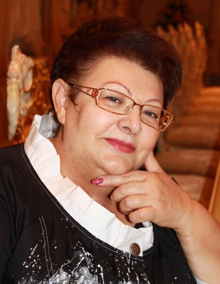 Шановна Антоніно Миколаївно! Щиро вітаємо Вас з Днем народження!