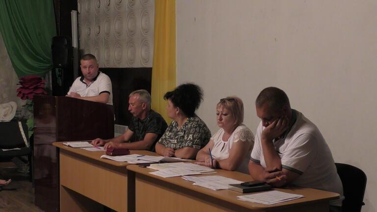 Ще одна «вибухова» сесія у Грушівці: сільського голову позбавили премії (ВІДЕО)