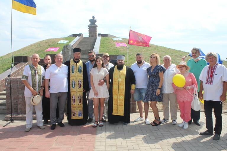 На могилі Івана Сірка вшанували пам'ять славетного кошового (ВІДЕО)