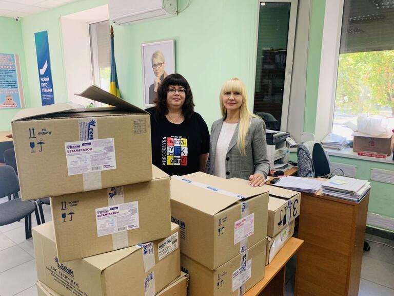 Олександра Сотула передала ліки для дитячої лікарні та провела робочі зустрічі у Нікопольському районі